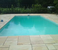 Medium pool with diving board